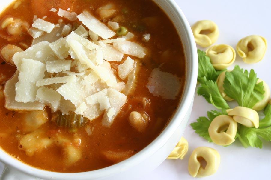 italiaanse maaltijdsoep met witte bonen